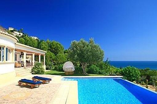 Villa de lujo con piscina privada en Jávea