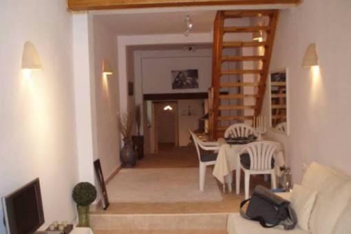 Bonito apartamento renovado con terraza soleada