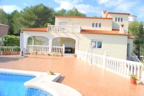 High quality finca property in a quiet location