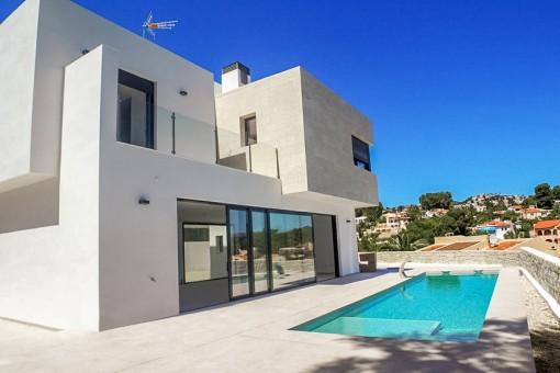 Terraza con piscina y vistas maravillosas