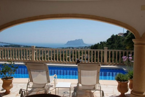 Breathtaking villa with sea views in Benimeit, Moraira
